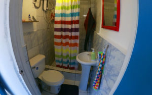 Indigan Surf Hostel - Bathroom