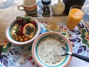 Indigan Surf Hostel - Surf Camp Healthy Breakfast Oats and Fruit