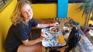 Urcia Surf Camp Huanchaco - Healthy Surf Breakfast (1)