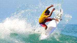 Urcia Surf School Huanchaco - Juninho Urcia Surfing Big Waves