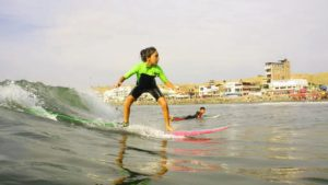 Urcia Surf School Huanchaco - Catching the First Wave