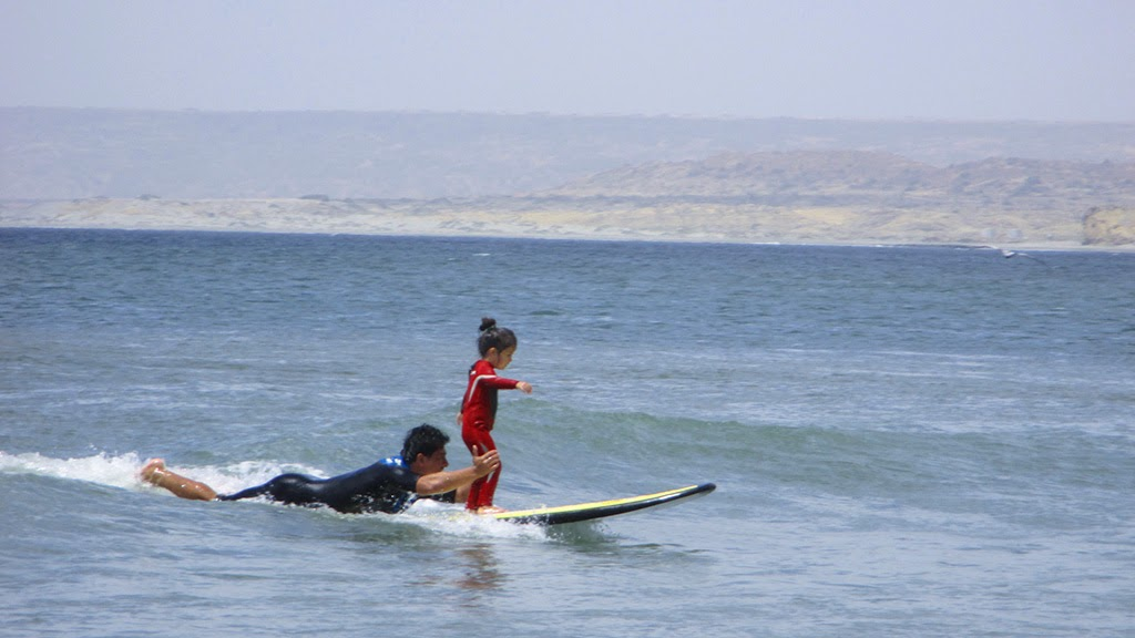 Urcia Surf School Huanchaco - Surf Lesson for Children