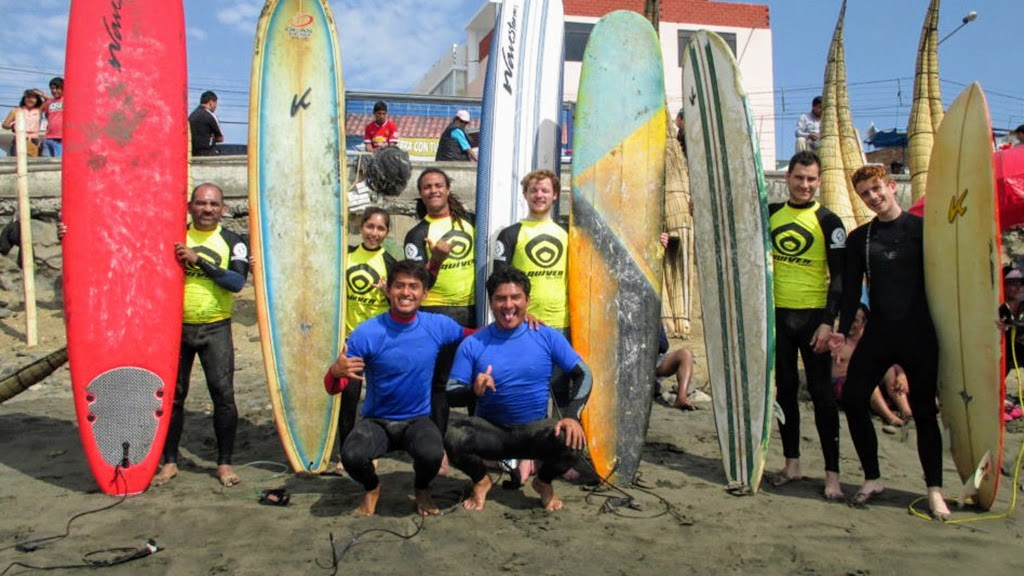 Urcia Surf School Huanchaco - Surf Camp with John and Juninho Urcia