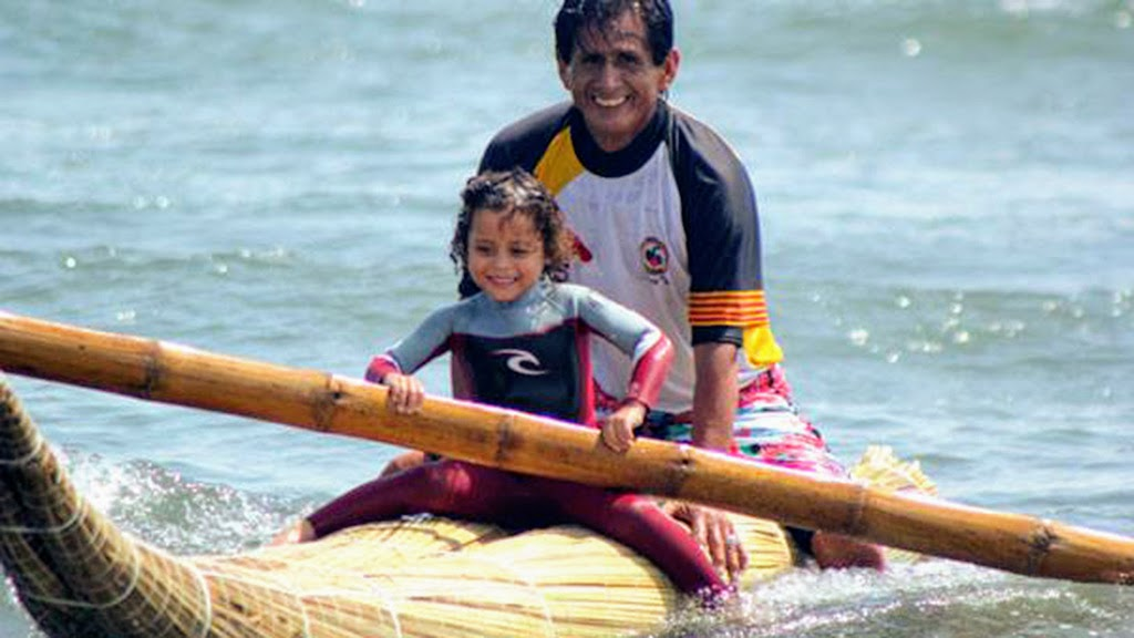 Urcia Surf School Huanchaco - Caballito de Totora (Reed Boats) Tour