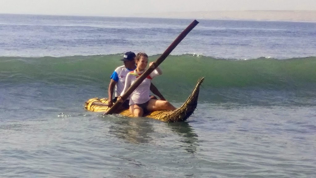 Urcia Surf School Huanchaco - Caballito de Totora (Reed Boat) Catching the Wave