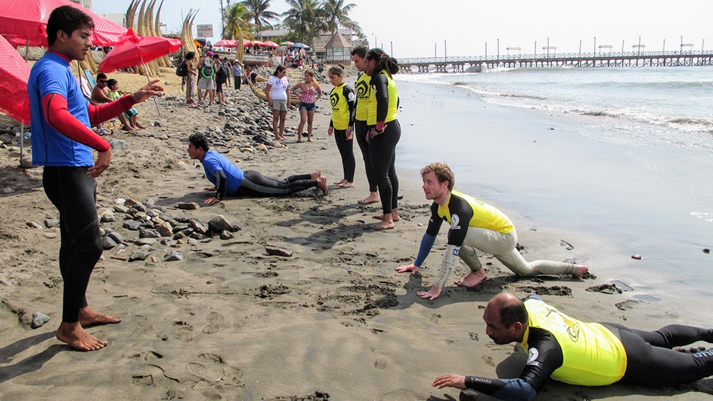 Urcia Surf School Huanchaco - Stand up Dry Training